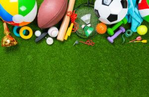 Verschillende sportattributen op het gras