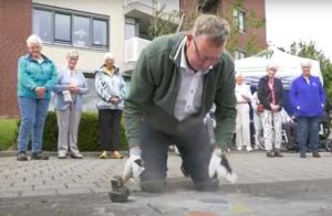 Wethouder Peter de Vrij opent eerste Ommetje in Den Helder